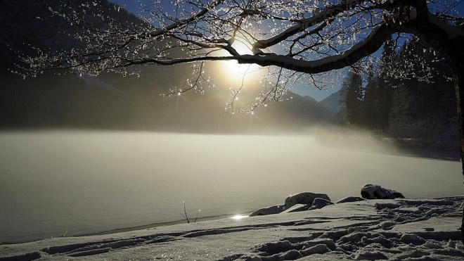 Замерзшее озеро, пейзаж